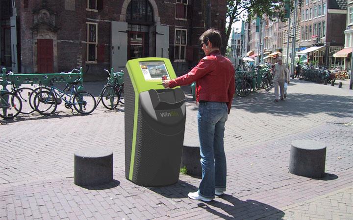 Ontwerp voor een afvalbak met winkans met als doel zwerfafval op straat te verminderen