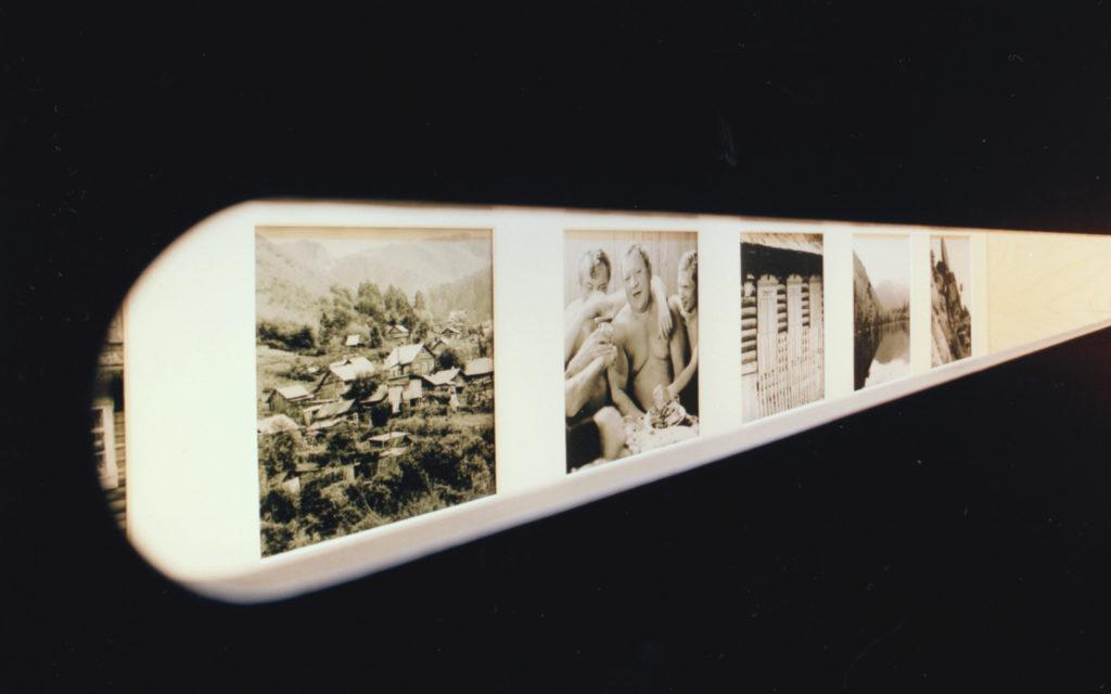 Kijkgleuf in ontwerp tentoonstelling over Siberische en Nederlandse kunstenaars die hetzelfde landschap hebben geschilderd voor Kasteel Groeneveld en Staatbosbeheer